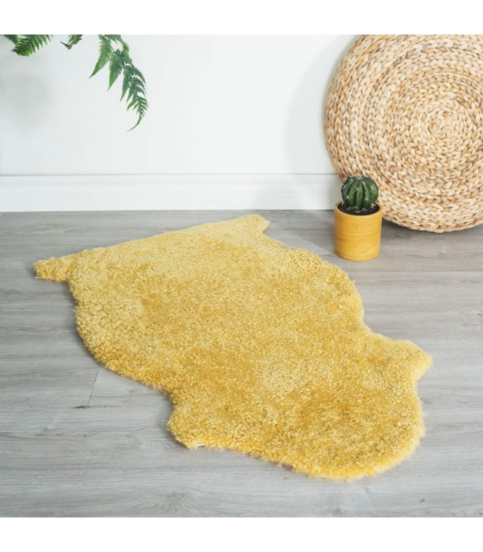 Dijon Curly Sheepskin Rug (2x3 ft)