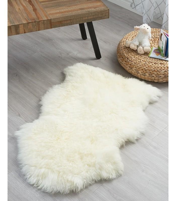 Kid's Snowflake Ivory White Sheepskin Rug (2x3.5 ft)